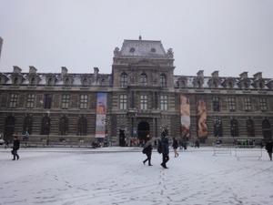 Louvre1091217